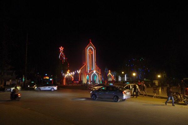 Sapa, Lào Cai, chúng ta cùng đặt nhà thờ ở giữa làng - 12