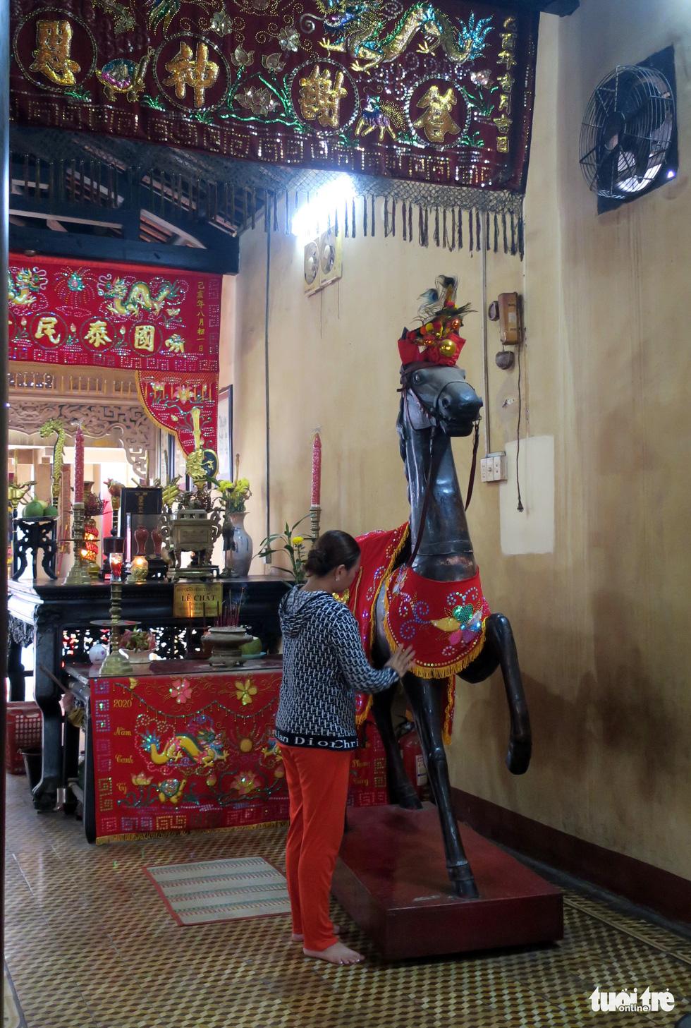 Những hình ảnh kể sự tích ở lăng Tả quân Lê Văn Duyệt - 7