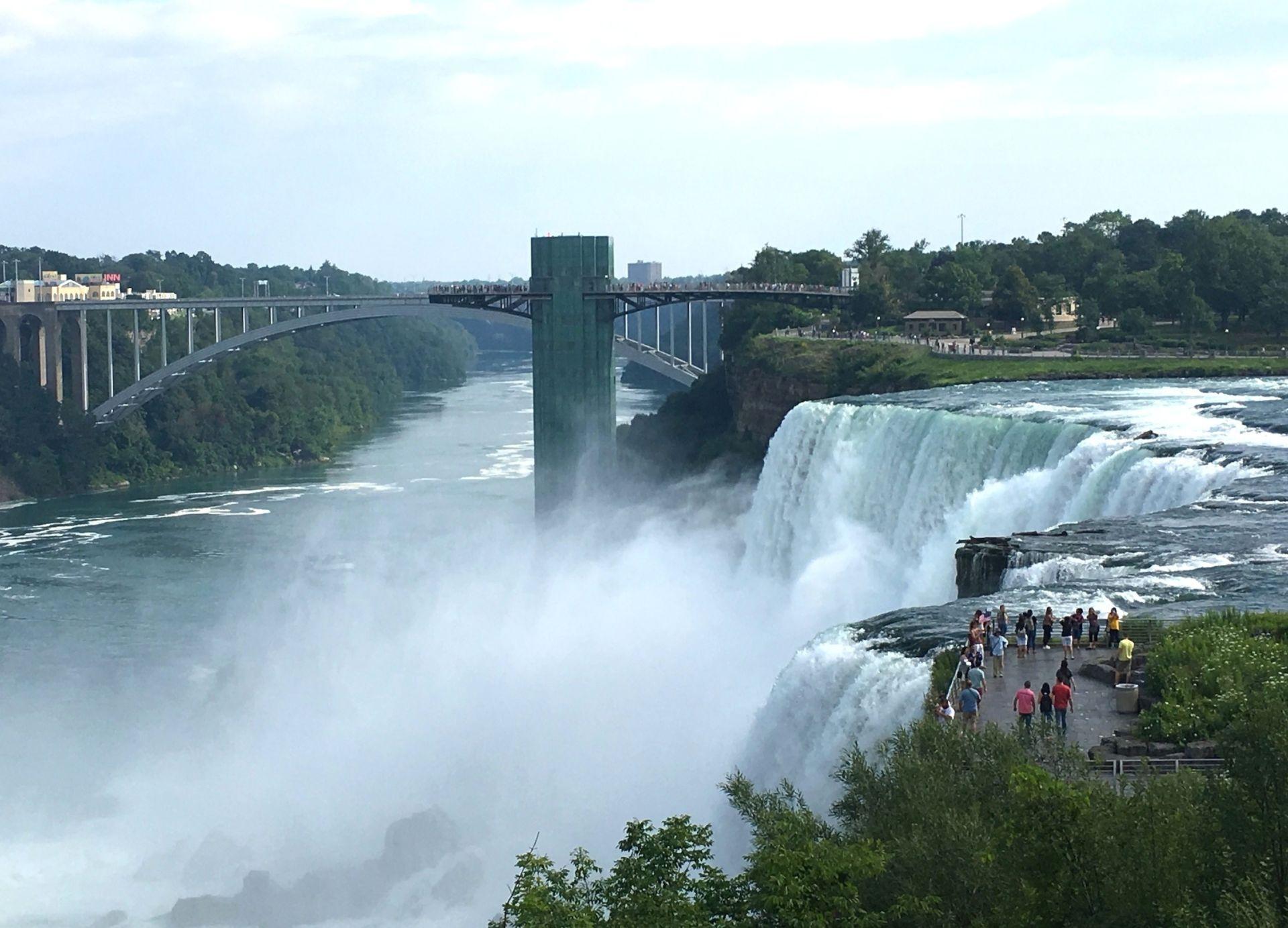 Niagara Falls, thác nước vĩ đại vùng Bắc Mỹ - 3