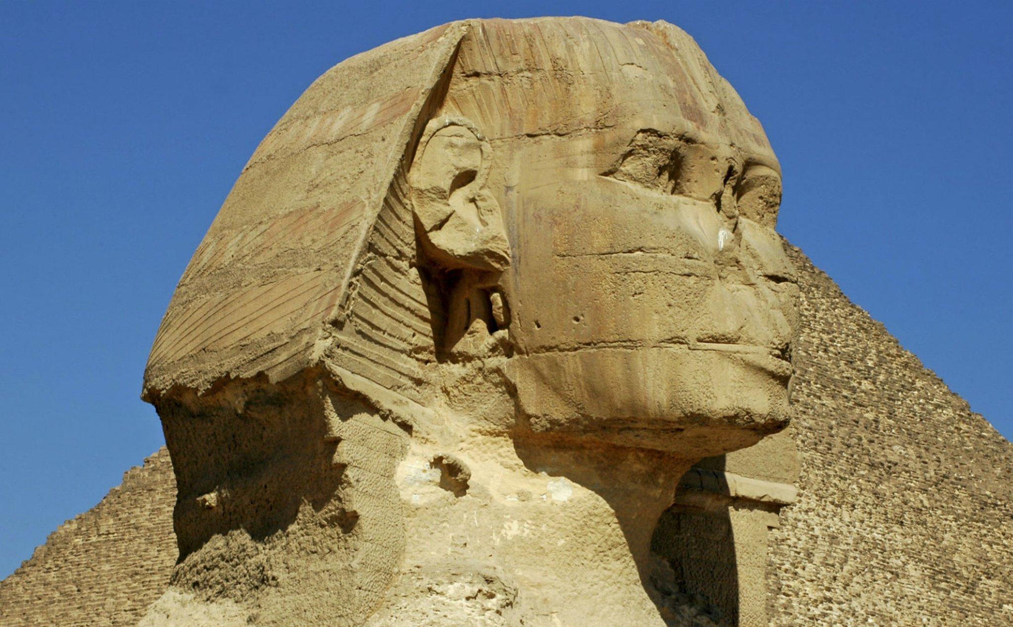 Tại sao những bức tượng Ai Cập cổ đại thường bị mất mũi? - 1