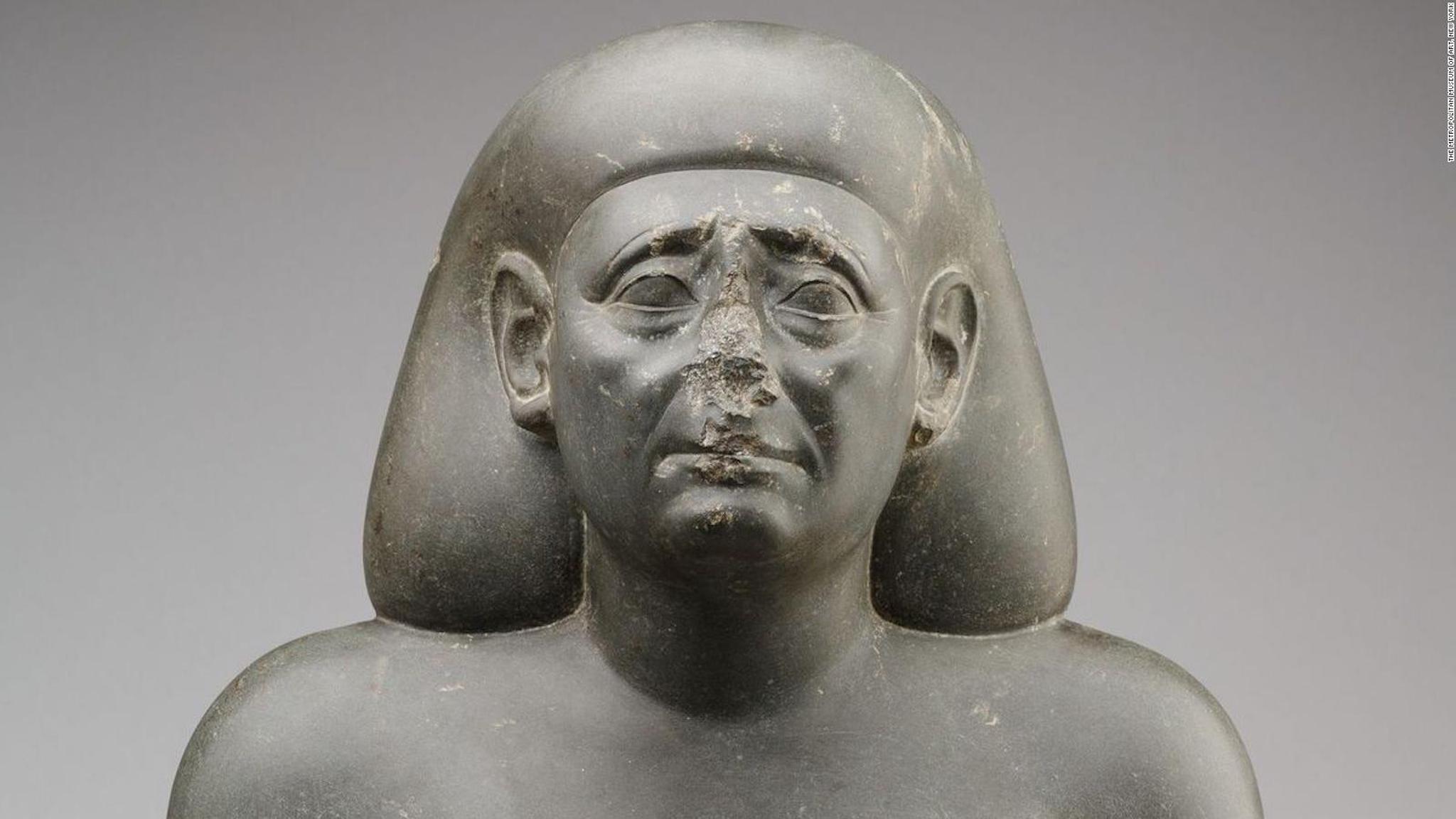 Tại sao những bức tượng Ai Cập cổ đại thường bị mất mũi? - 2