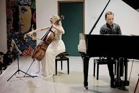 Claire Oppert, nữ nhạc sĩ viôlôngxen chăm sóc bệnh nhân bằng âm nhạc - 4