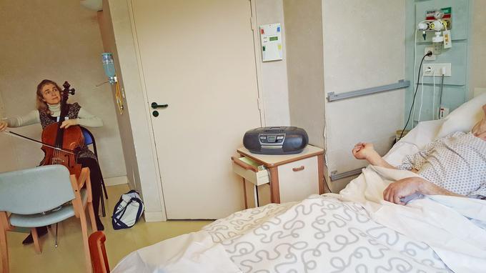 Claire Oppert, nữ nhạc sĩ viôlôngxen chăm sóc bệnh nhân bằng âm nhạc - 1