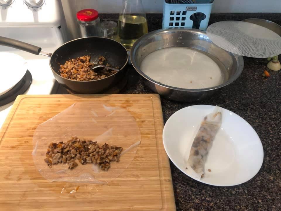 Cách làm bánh cuốn bằng bánh tráng - 5