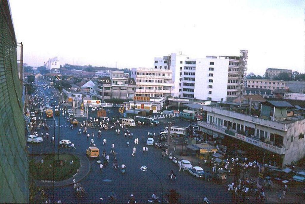 60 tấm ảnh màu đẹp nhất của đường phố Saigon thập niên 1960-1970 - 24