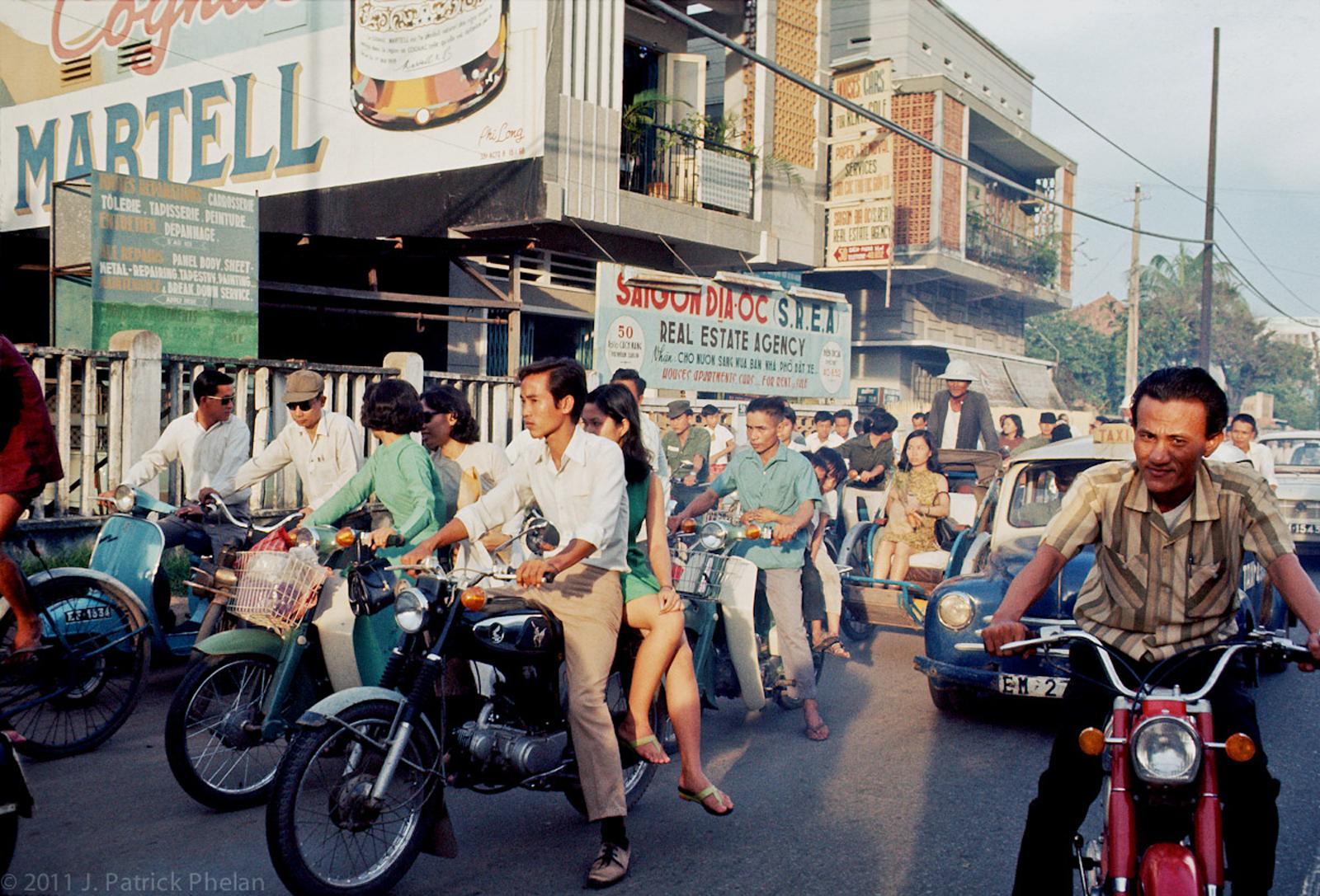 60 tấm ảnh màu đẹp nhất của đường phố Saigon thập niên 1960-1970 - 35