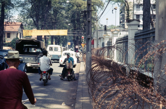 60 tấm ảnh màu đẹp nhất của đường phố Saigon thập niên 1960-1970 - 63