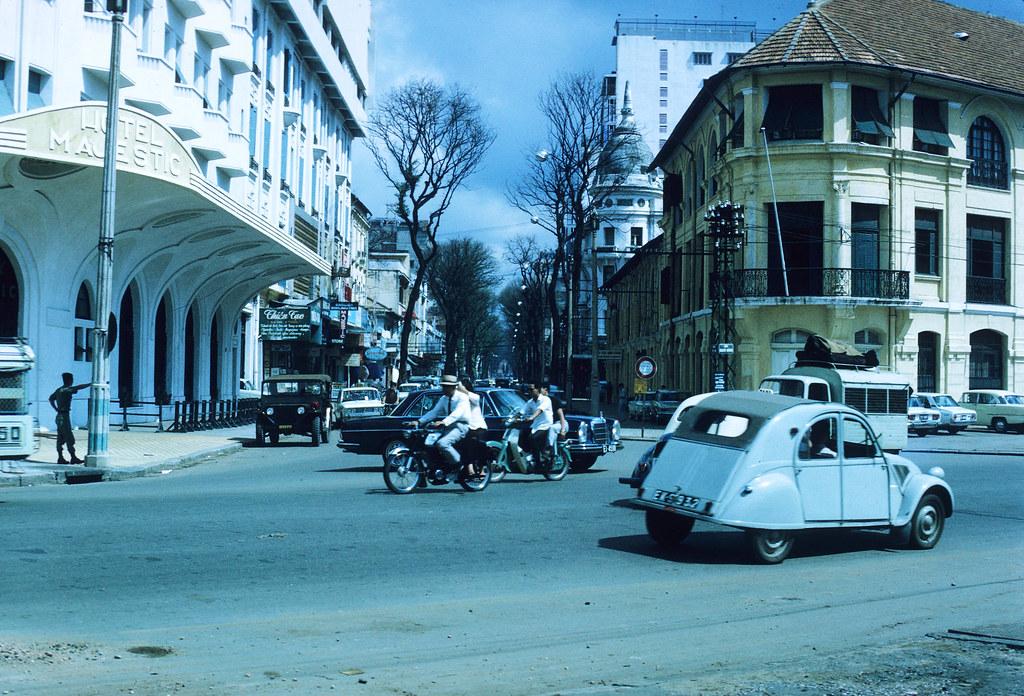 60 tấm ảnh màu đẹp nhất của đường phố Saigon thập niên 1960-1970 - 17