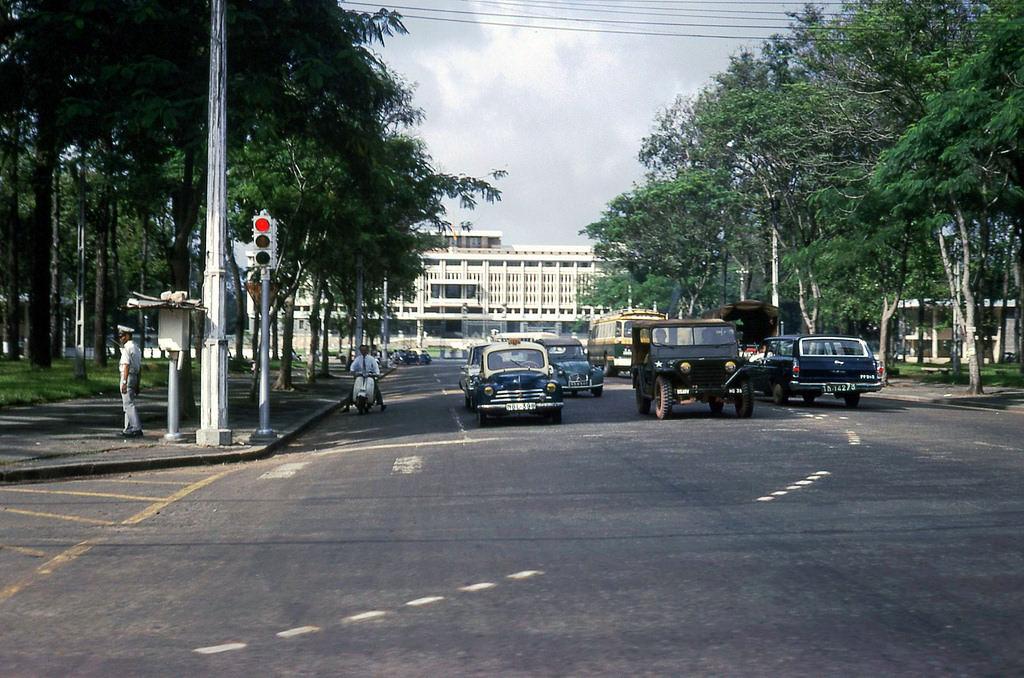 60 tấm ảnh màu đẹp nhất của đường phố Saigon thập niên 1960-1970 - 72