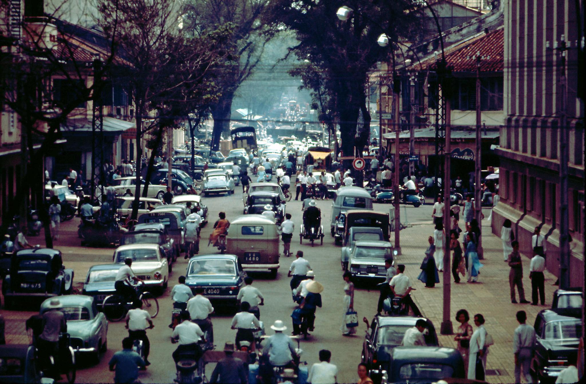 60 tấm ảnh màu đẹp nhất của đường phố Saigon thập niên 1960-1970 - 31