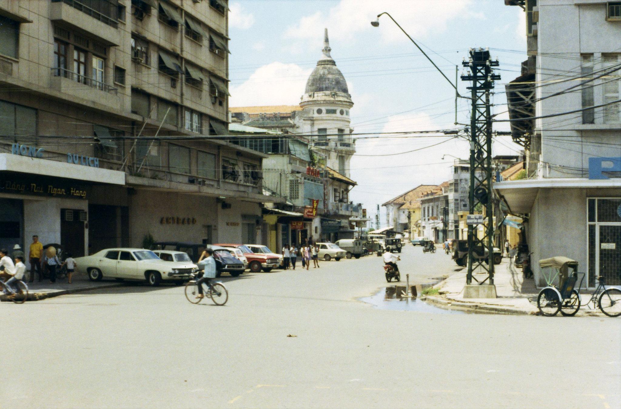 60 tấm ảnh màu đẹp nhất của đường phố Saigon thập niên 1960-1970 - 39