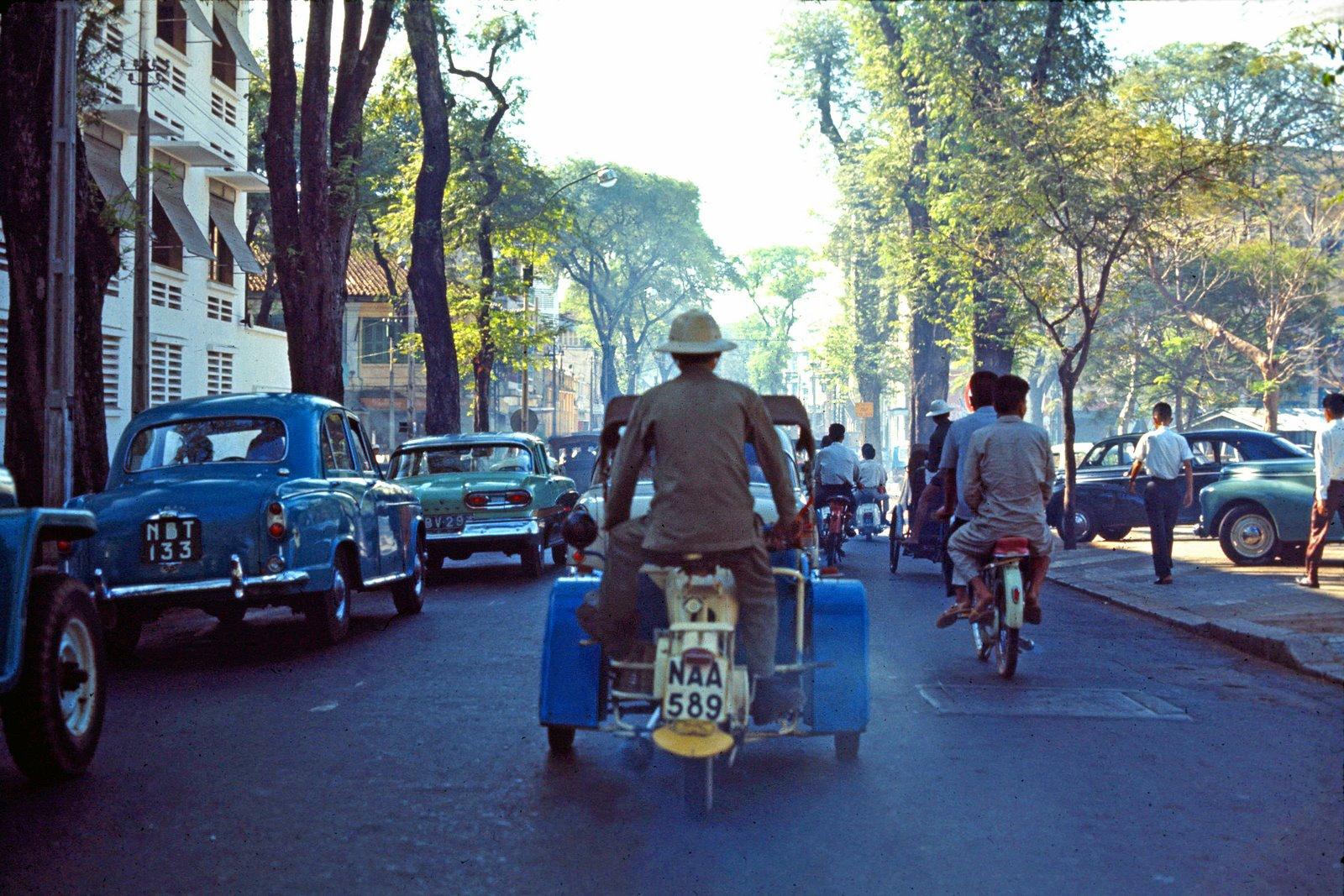 60 tấm ảnh màu đẹp nhất của đường phố Saigon thập niên 1960-1970 - 36