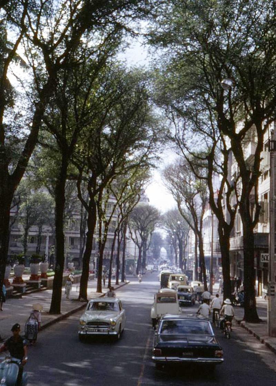 60 tấm ảnh màu đẹp nhất của đường phố Saigon thập niên 1960-1970 - 13