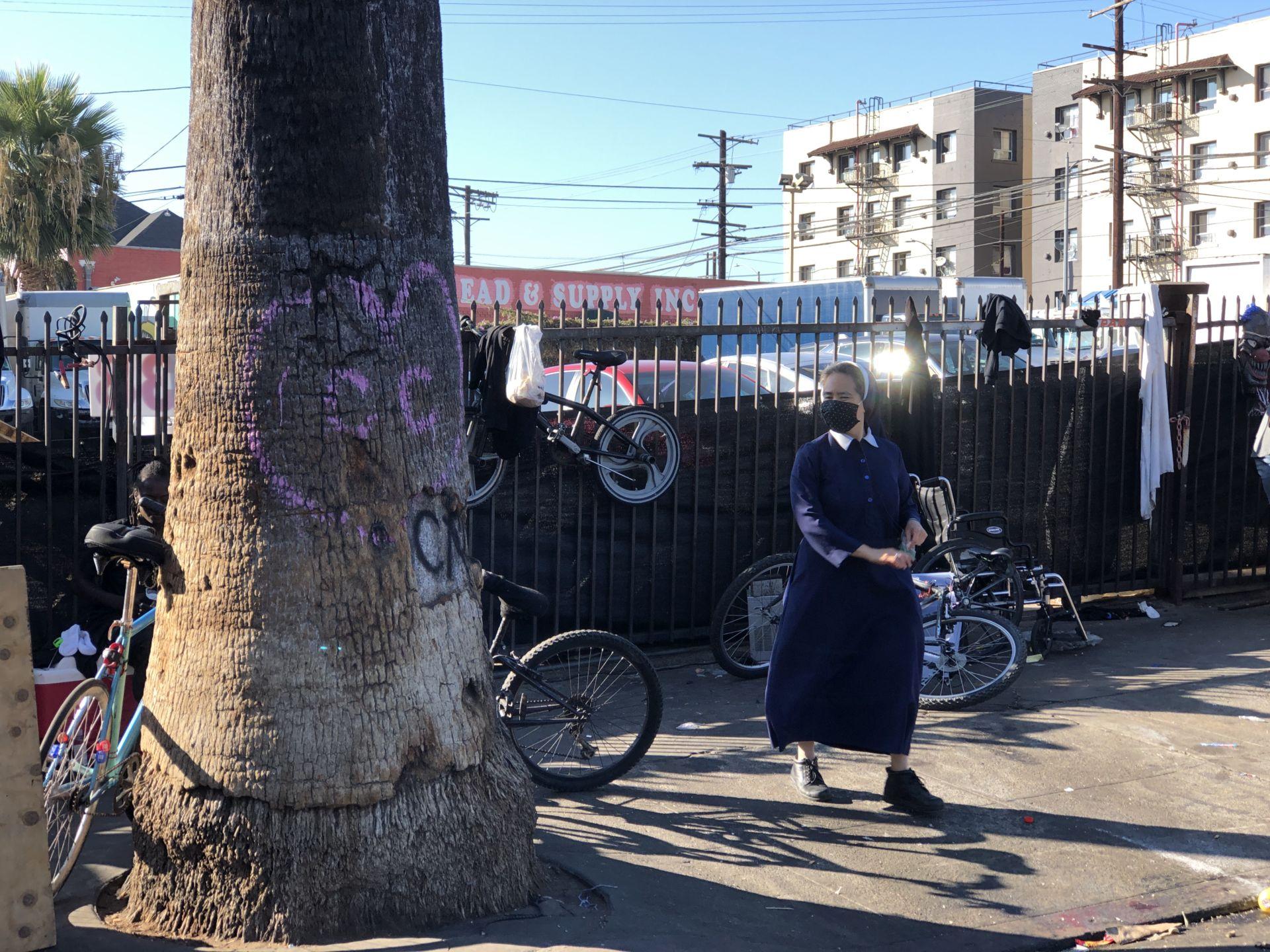 Những nữ tu gốc Việt mang sứ vụ 'đổi đời' cho người vô gia cư - 8