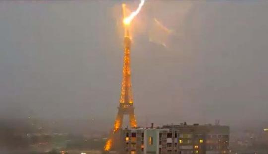 10 giai thoại ít người biết về tháp Eiffel - 4