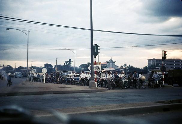 Ly kỳ tên gọi Ngã Tư Hàng Xanh (Sài Gòn) và những hình ảnh đẹp của Ngã Tư trước 1975 - 25