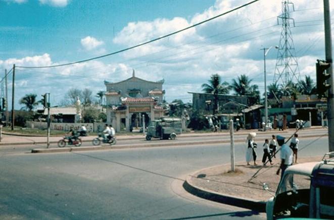 Ly kỳ tên gọi Ngã Tư Hàng Xanh (Sài Gòn) và những hình ảnh đẹp của Ngã Tư trước 1975 - 7