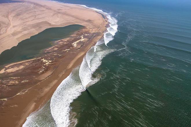 Bờ biển Skeleton: bờ biển nguy hiểm nhất thế giới - 3