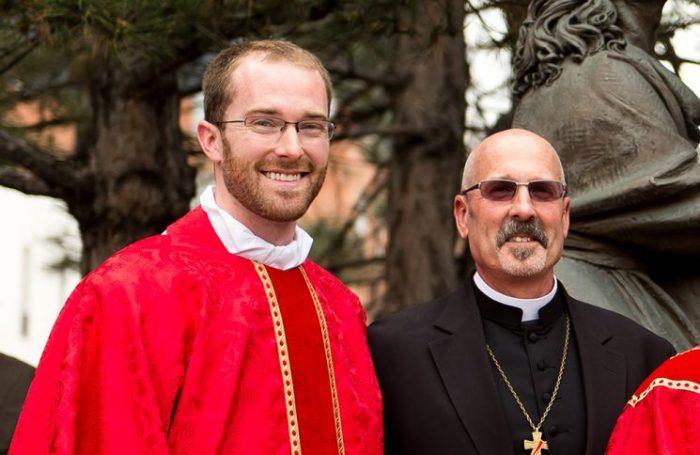 Những người cha phó tế này đã làm nảy sinh ơn gọi linh mục cho con trai mình - 2