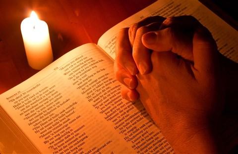 5. Lời Cầu Chúa Kề Bên Con - Uyên Di